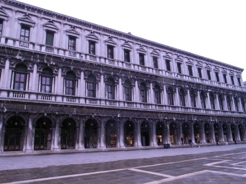 ヴェネツィアをトコトコ歩く_f0106597_20312589.jpg