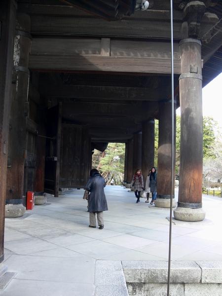 「京都・冬の旅・南禅寺三門」_d0133024_1042443.jpg
