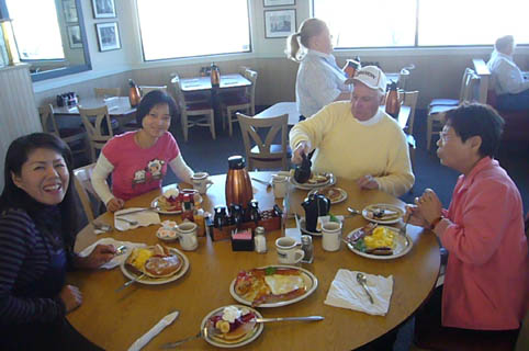 breakfast at the IHOP._c0153966_219164.jpg