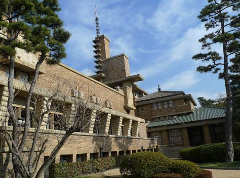 旧甲子園ホテル(武庫川女子大学甲子園会館)見学。_e0051760_13532691.jpg
