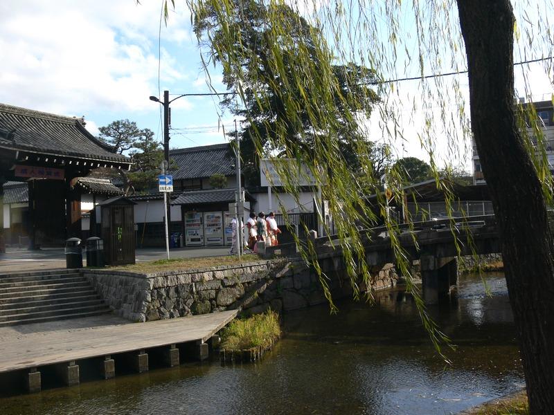 「京都・冬の旅・白川~新門前~祇園界隈」_d0133024_10102199.jpg