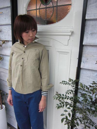 ベージュのシャツを羽織って。。。_a0113127_20545418.jpg