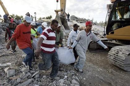 米軍はハイチ救援を邪魔しに行った F・ウィリアム・イングドール_c0139575_20313669.jpg