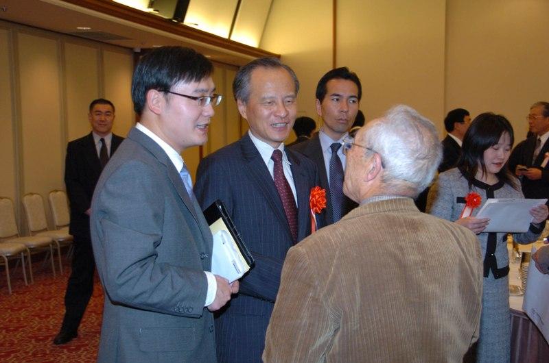 中国副外长崔天凯出席2010日中友好新年会_d0027795_15581127.jpg