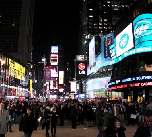 地元アメフトチーム、NYジェッツを応援するイベント@タイムズスクエア_b0007805_13345466.jpg
