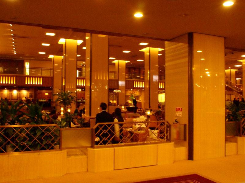 帝国ホテルの歴史とともに、若い頃を思い出して、、、_a0031363_1919219.jpg