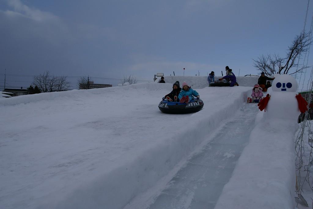 氷の滑り台_f0138096_20351014.jpg