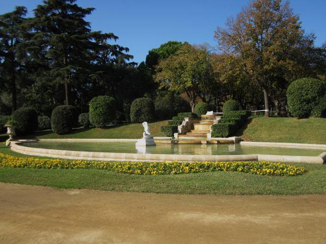 ペドラルベス宮の散歩  Paseo in el Palau de Pedralbes_b0064411_7304450.jpg