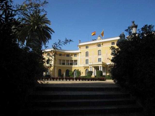 ペドラルベス宮の散歩  Paseo in el Palau de Pedralbes_b0064411_7325080.jpg