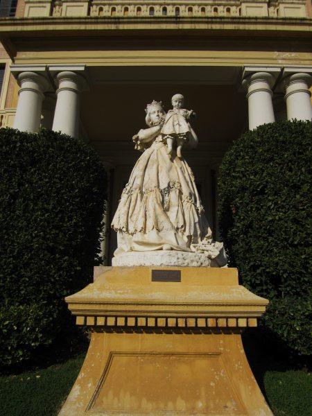 ペドラルベス宮の散歩  Paseo in el Palau de Pedralbes_b0064411_7332179.jpg