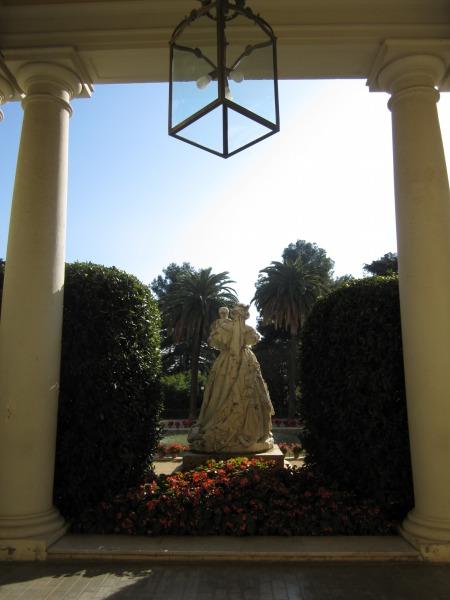 ペドラルベス宮の散歩  Paseo in el Palau de Pedralbes_b0064411_7333651.jpg