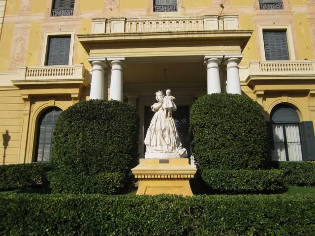 ペドラルベス宮の散歩  Paseo in el Palau de Pedralbes_b0064411_733733.jpg