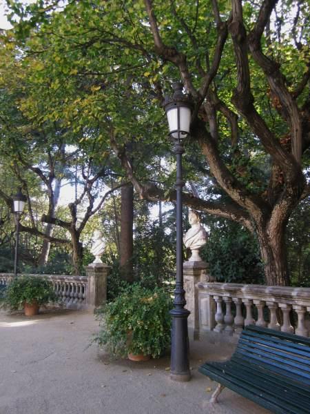 ペドラルベス宮の散歩  Paseo in el Palau de Pedralbes_b0064411_7441542.jpg