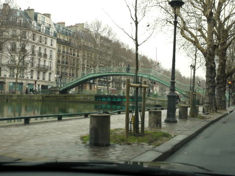 パリを一周ドライブしちゃった・・・_c0090198_3594460.jpg