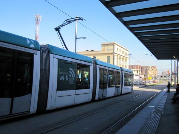 トラムに乗って・・・   Tram de Barcelona_b0064411_1354886.jpg