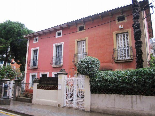 キンタアメリア公園近くの町並み Casas de la calle d\'Ifni_b0064411_657201.jpg