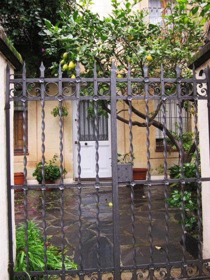 キンタアメリア公園近くの町並み Casas de la calle d\'Ifni_b0064411_732426.jpg