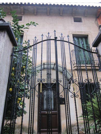キンタアメリア公園近くの町並み Casas de la calle d\'Ifni_b0064411_742991.jpg