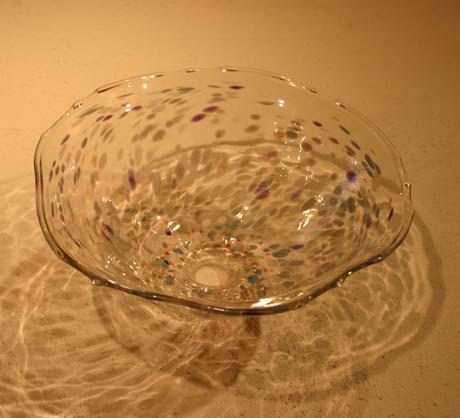 手吹きガラスの手洗いボール_e0074935_1753563.jpg