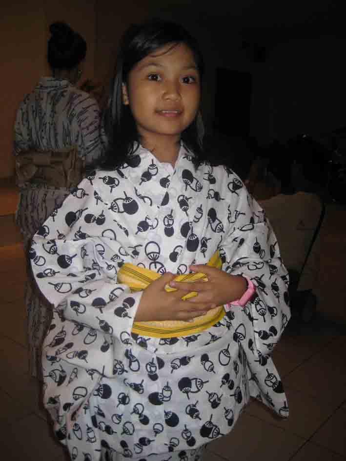 インドネシア 舞踏フェスティバル_c0154588_15495316.jpg