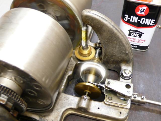 ビクター蓄音機4丁ゼンマイ2_a0047010_21191854.jpg