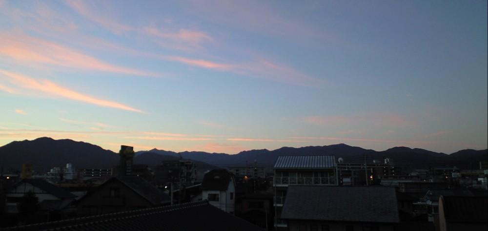 朝焼けは雨の兆し?…美しい脊振山系_d0082356_1583064.jpg