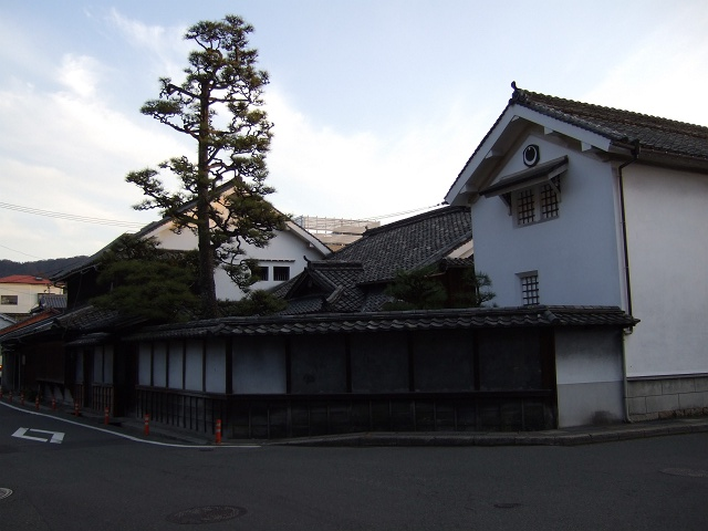 千葉家住宅と、宿場町の名残と海田市の一里塚_b0095061_904457.jpg
