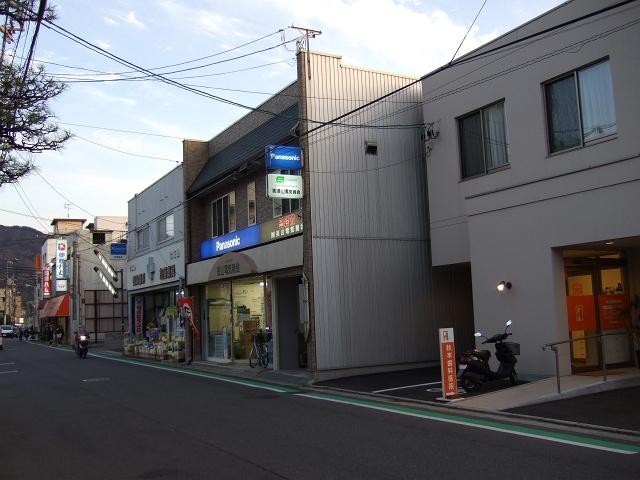 海田町稲荷町・中店の商店街ぶらり_b0095061_9111213.jpg
