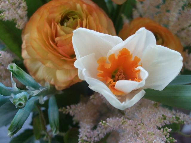 オークリーフ(球根花を入れたアレンジメント)_f0049672_14144292.jpg
