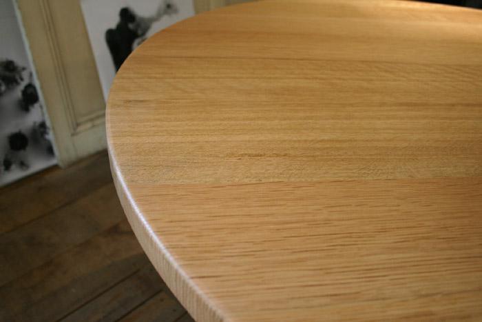 丸テーブルとキャビネット_f0171785_16223835.jpg