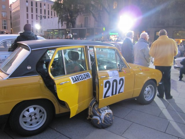 レトロ・カーのモンテカルロラリー Rally Montecarlo Historique 2010_b0064411_2312899.jpg