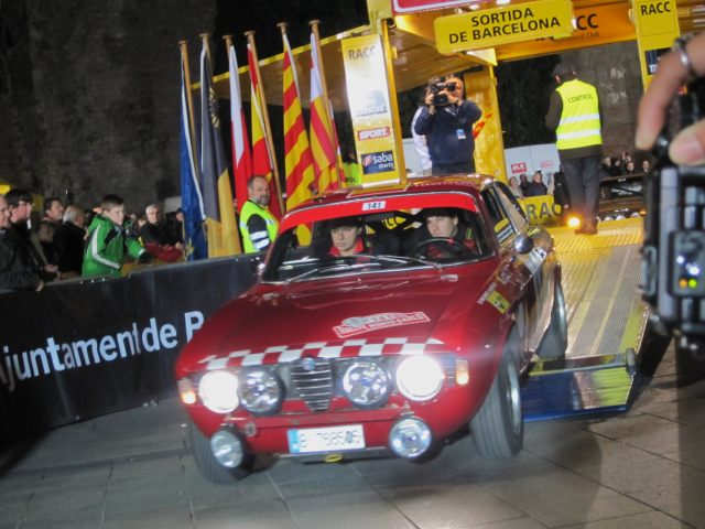 レトロ・カーのモンテカルロラリー2 Rally Montecarlo Historique 2010_b0064411_23442731.jpg