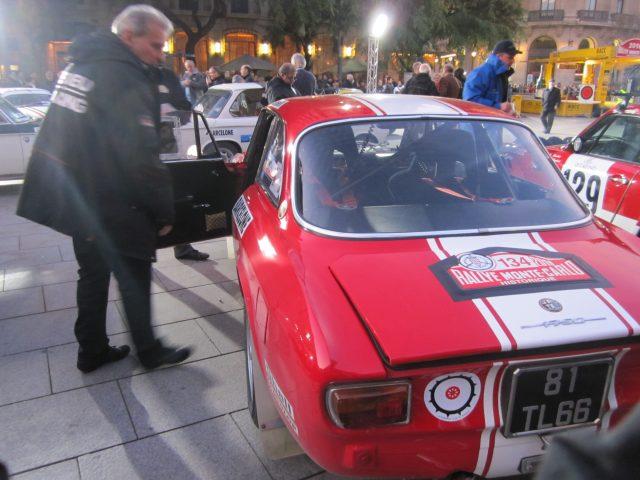 レトロ・カーのモンテカルロラリー Rally Montecarlo Historique 2010_b0064411_2394077.jpg