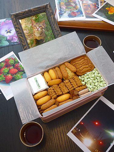 村上開新堂のクッキーとdaikanyamamariaの薔薇のお紅茶で13年ぶりのティータイムは 永遠の思い出に☆.。†_a0053662_1947222.jpg