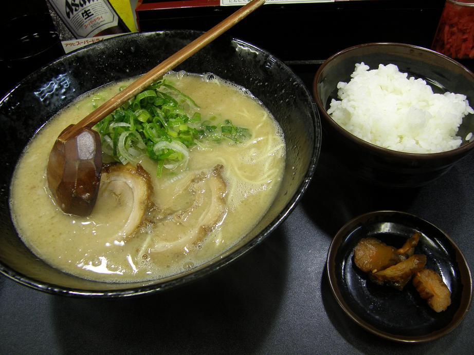 らーめん銀次郎    大阪・中崎町_c0118393_12174074.jpg