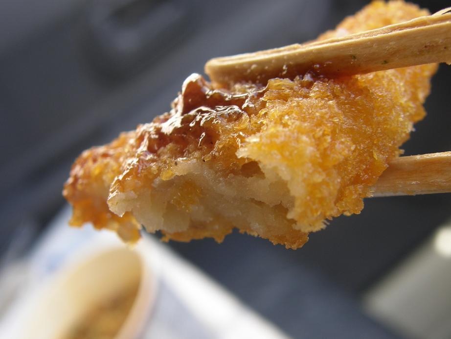 ぐるメール淡路店のハンバーグ弁当とエースコックの坦々麺_c0118393_94857.jpg