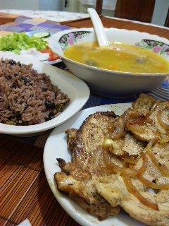 キューバでの食事_a0103940_20461958.jpg