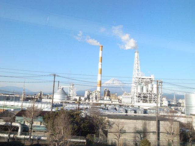これはこれで日本の風景なのかもしれないけど,堂々と自慢しずらいなあ_d0057843_17311436.jpg
