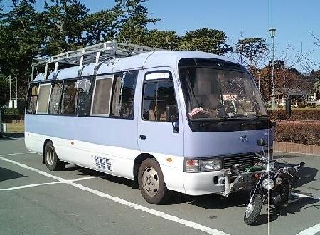 キャンピング・バス_a0163788_12561745.jpg