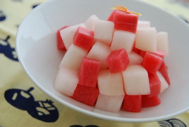 紅白だいこんの甘酢漬け_a0103712_814464.jpg