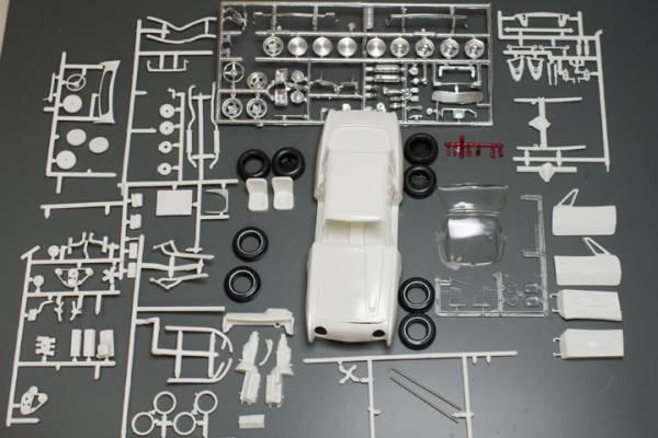 amt  1/25  Studebaker Avanti_b0058021_17112961.jpg