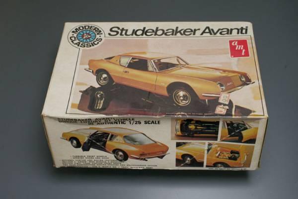 amt  1/25  Studebaker Avanti_b0058021_17114965.jpg