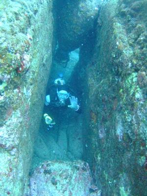 これが海底遺跡だぁ~        与那国島_e0184067_14394774.jpg