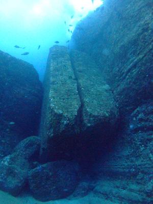 これが海底遺跡だぁ~        与那国島_e0184067_14395963.jpg