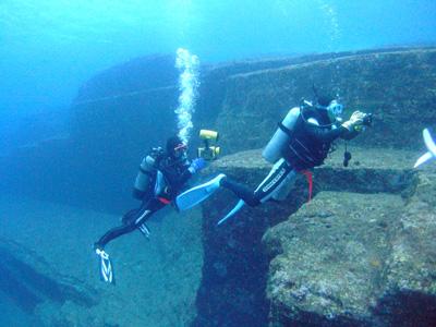これが海底遺跡だぁ~        与那国島_e0184067_14404023.jpg
