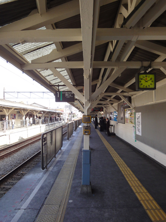 東急大井町線旗の台駅の木造ホーム_c0195909_21331636.jpg