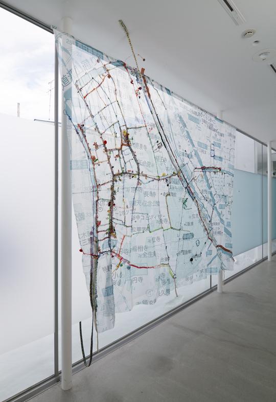 秋山さやかの作品が十和田市現代美術館で展示されています。_c0164399_0215893.jpg