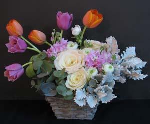 春のお花のバスケットアレンジ_f0134809_0233851.jpg