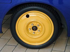 タイヤが!_f0134268_2258167.jpg