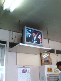 鳩山総理、企業団体献金禁止に前向き、亀井大臣は非正規の正社員化を改めて表明_e0094315_12503790.jpg